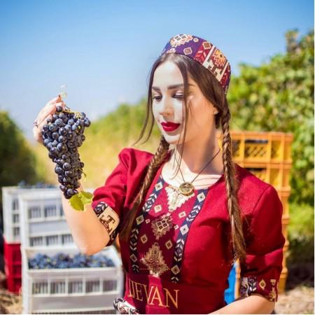 Иджеван дарит скидку 10% на традиционные армянские напитки из винограда Арени